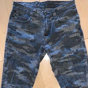 🆕 CARMAR ⛓ Camo Denim Jeans